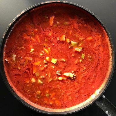 Klassiek Italiaanse ragu pasta saus