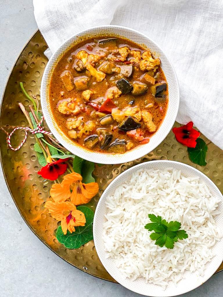 Bloemkool aubergine curry