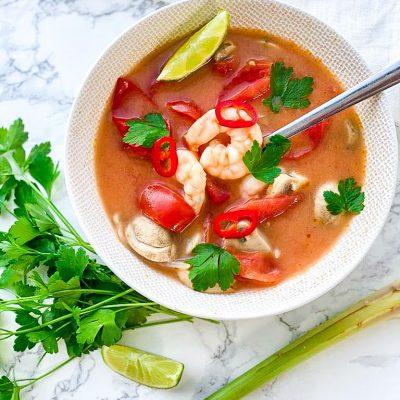 Thaise pittige garnalen soep