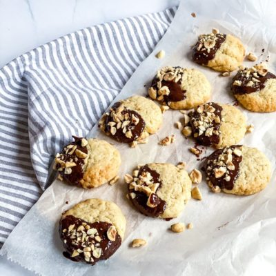 Koekjes met chocolade en hazelnoten