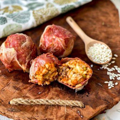 Arancini met ham en salami
