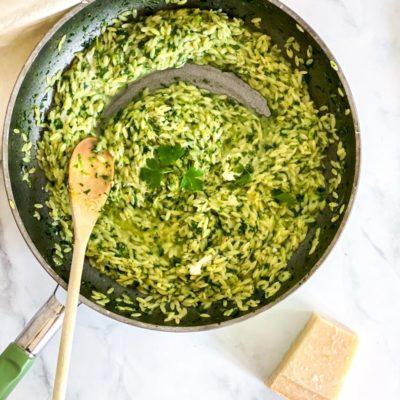 Orzo met spinazie en parmezaan