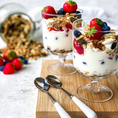 Homemade granola ontbijtje